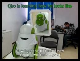 Qbo, un robot reconociéndose a si mismo