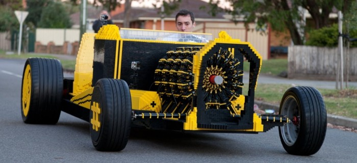 Coche construido con Lego, que funciona de verdad
