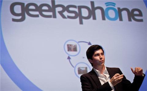 Presentación de dos nuevos smartphones diseñados en España: BlackPhone y GeeksPhone Revolution