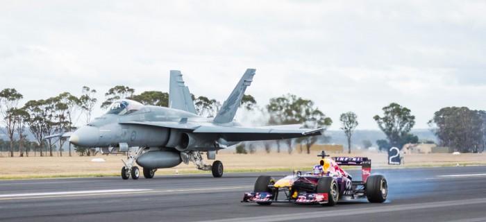 Fórmula 1 de RedBull Vs F/A-18 Hornet