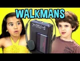 Qué pasa si le damos un Walkman a un niño que nunca ha visto uno antes