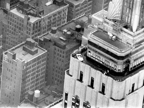 Cómo subir un Mustang GT a la azotea del Empire State Building [WTF]