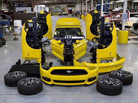Mustang GT en el Empire Stage Building