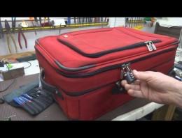 Así de fácil se pueden abrir maletas con cremallera