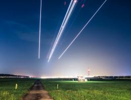 Aviones que parecen estrellas fugaces en Singapur