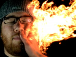 Vídeo en cámara ultra-lenta de una bofetada en llamas
