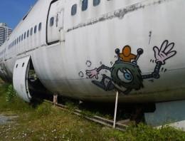 Boeing 747 abandonado en las calles de Bangkok