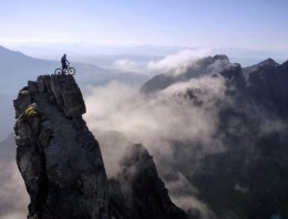 Espectacular vídeo de biketrial de Danny Macaskill [The Ridge]