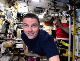 Cómo cruzar volando la Estación Espacial Internacional en 90 segundos [Vídeo]
