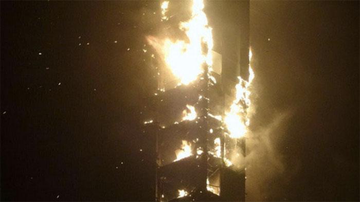 Incendio en el Marina Torch de Dubai