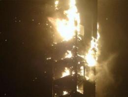 Así fue el incendio que hubo hoy en el rascacielos Marina Torch de Dubai