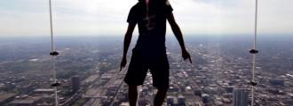 Bailando la misma canción en 100 lugares diferentes [vídeo]
