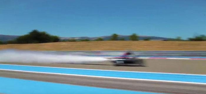 Una moto que acelera de 0 a 100 en medio segundo usando agua (bueno, quizás es un misil)