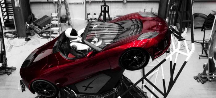 SpaceX lanza mañana el Falcon Heavy a Marte con un Tesla Roadster en su interior