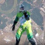 Luke Aikins tirándose en paracaídas